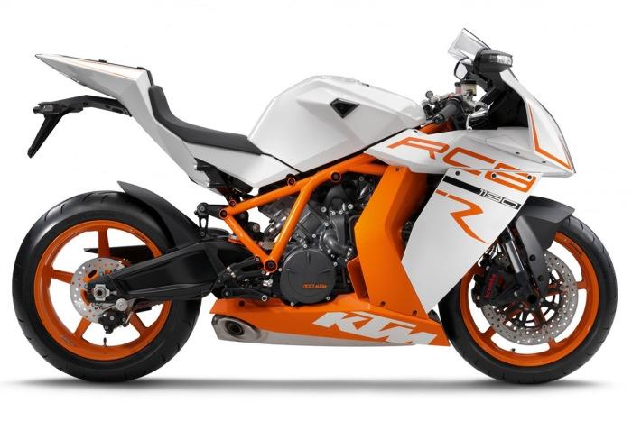 2011-KTM-RC8-R-02