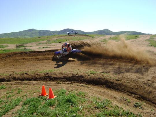 Dicas para fazer curva de Motocross