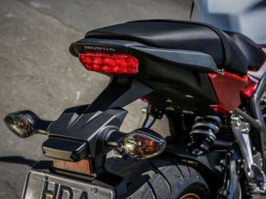 Honda a CB 650F e CBR 650F