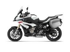 2015-BMW-S1000XR-25