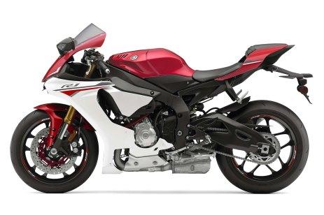 2015-Yamaha-YZF-R1-08