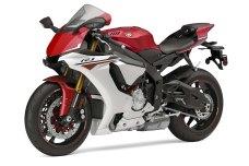 2015-Yamaha-YZF-R1-10