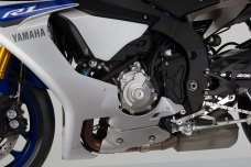 2015-Yamaha-YZF-R1-56