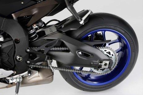 2015-Yamaha-YZF-R1-64
