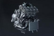 2015-Yamaha-YZF-R1-71