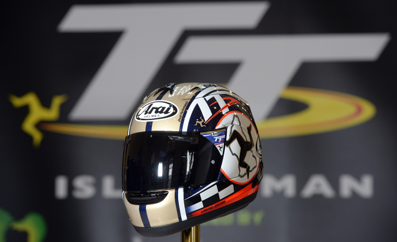 Capacete Arai RX-7 GP TT Isle of Man 2015