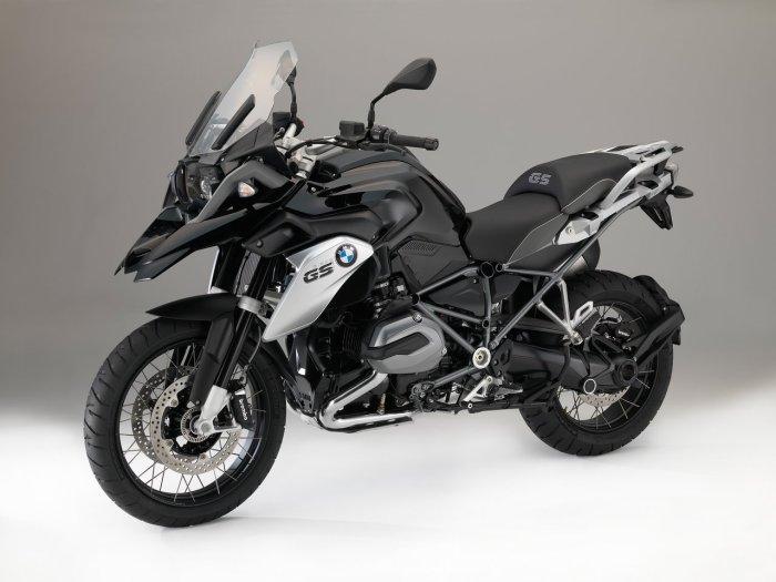 bmw-r-1200-gs-triple-black-2016_02