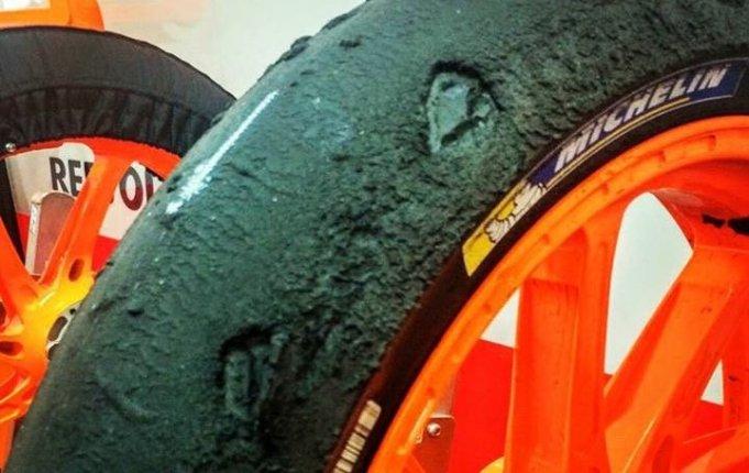 Pneu Michelin destruido do Dani Pedrosa na MotoGP